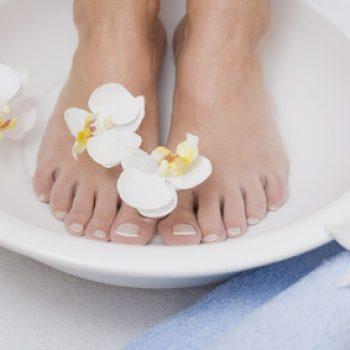 Cuidados de los pies y aromaterapia